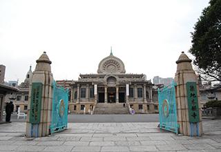 本堂・門柱(正門)